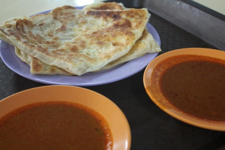 The most amazingly light, fluffy, crispy yet chewy, incredibly cheap, unbelievably good roti prata EVER!!!