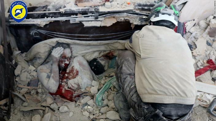 160923203919-heartbreaking-syria-photo-cleared-for-platforms-super-169_0